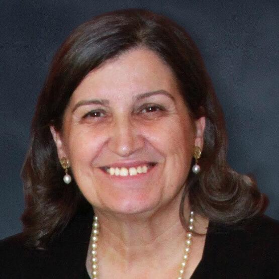 Dr. Lourdes Casanova